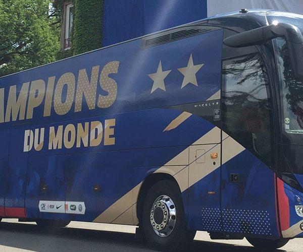 Covering - Bus de la Fédération Française de Foot